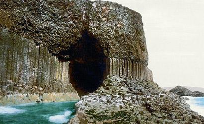 フィンガルの洞窟